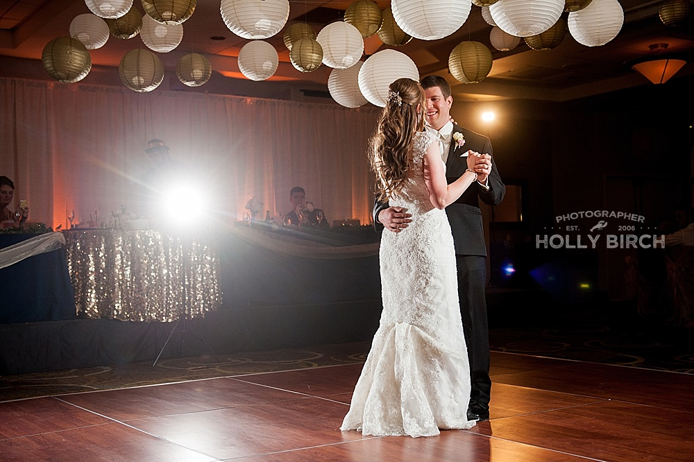 Bloomington-Normal-wedding-Holiday-Inn-airport-wedding_3144.jpg