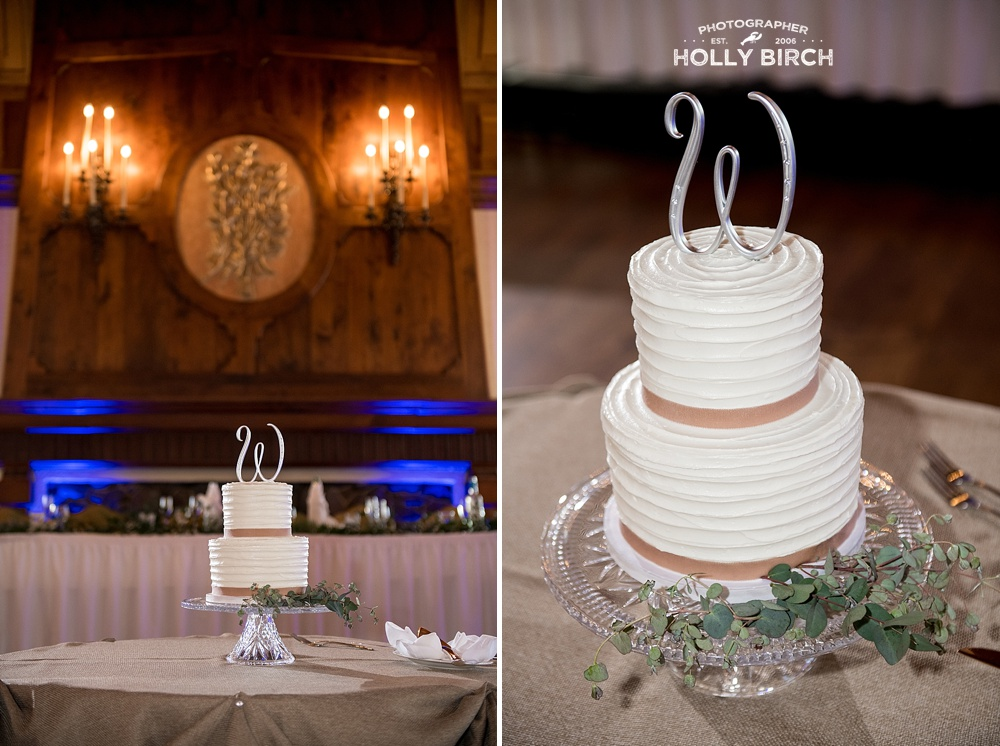 wedding cake table at Cog Hill