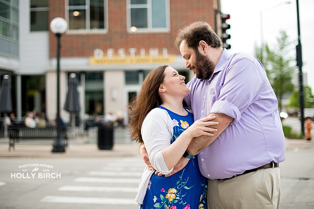 Downtown-Champaign-couples-engagement-photo-session_4397.jpg