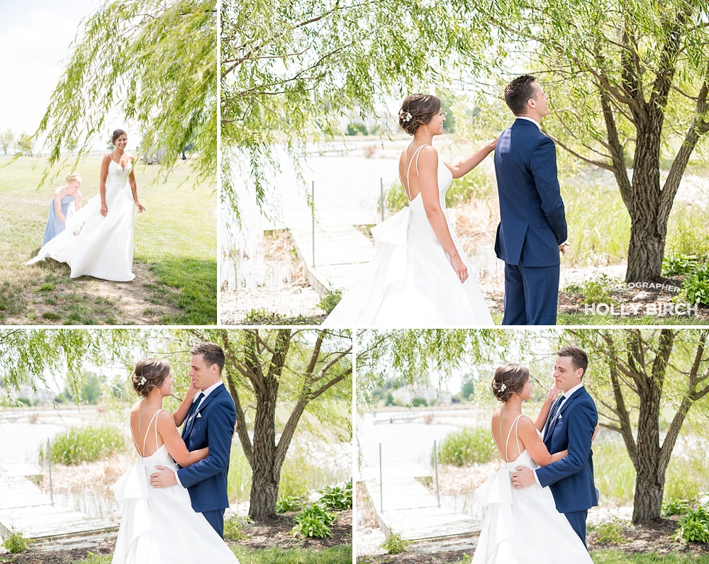 Weeping willow trees make amazing wedding photos