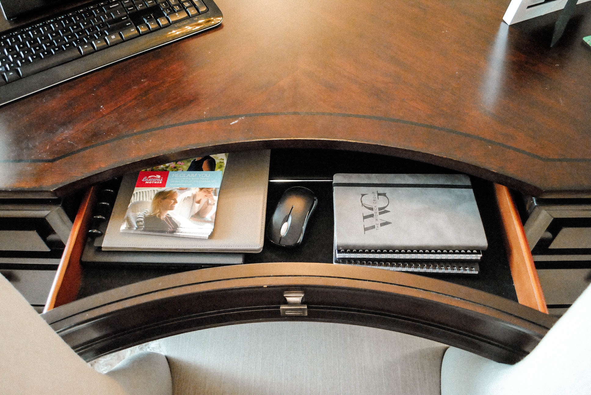 Lauren's desk drawers AFTER.