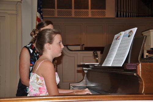 reese + piano = cool pic.jpeg