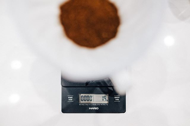 It's always such a treat for me when my passions overlap. I've had the pleasure of photographing some really special things in the coffee industry, everything from shops and roasting to producers at origin, and it always inspires my love for coffee and passion for photography. When @coffee._.bee asked me to photograph and join him in tasting @elidaestate_ coffee that set the world record for most expensive coffee ever sold at auction, at just over $800/lb, i was thrilled. The folks over at @lineagecoffeeroasting took their time out of a busy evening to pour a perfect cup, and we enjoyed every bit of the 19 grams of coffee.  I was honored to be a part of it, and I'm so thankful for the coffee community in orlando. And before you ask.... yes, it was amazing. One of the most interesting cups I've had the pleasure of tasting.