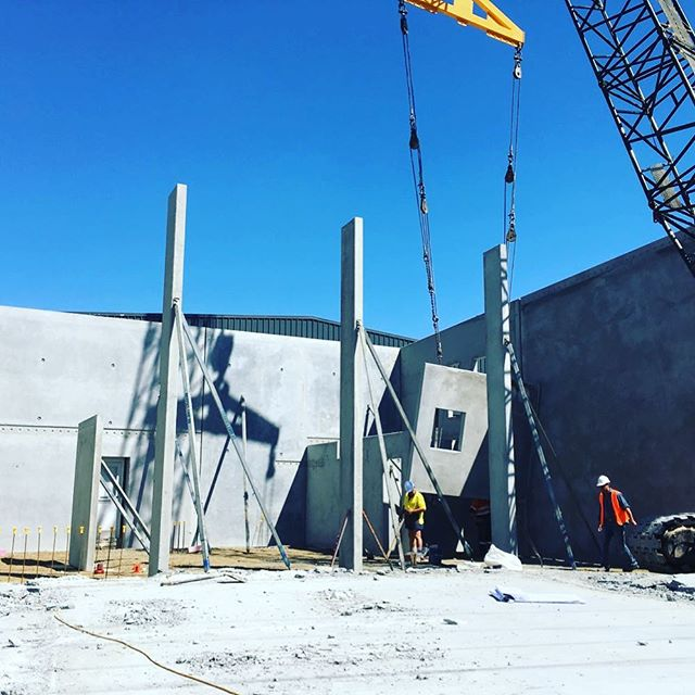 Saturday was a great day of lifting panels at one of our latest projects  #rodandersenconstructions #raconstruct #goldcoastbuilder #brisbanebuilder #commercialbuilding #industrialbuilding #designandconstruct #beaudesertbuilder