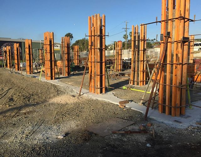 Flashback Friday to forming the 32 concrete columns in the basement level of Beaudesert Tyre Store #fbf #rodandersenconstructions