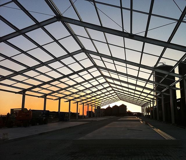 Sunsets over 4Real Milk Factory framing were great sunsets. Flashback Friday #fbf #rodandersenconstructions #commercialconstruction