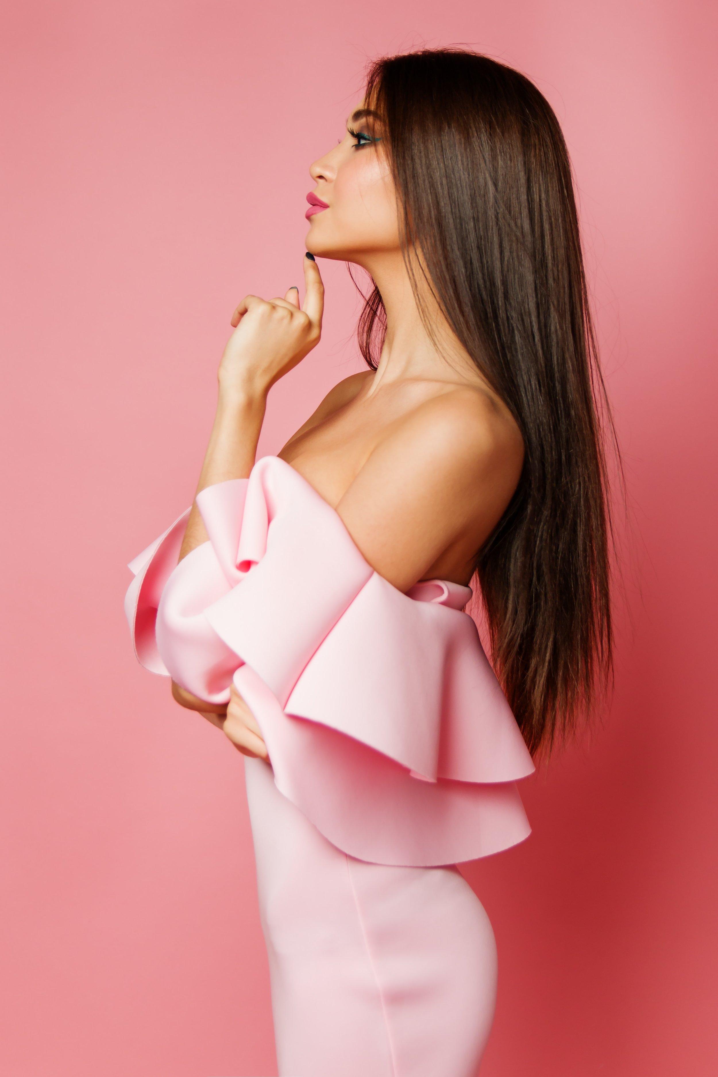 dress-elegant-fashion-2065195.jpg