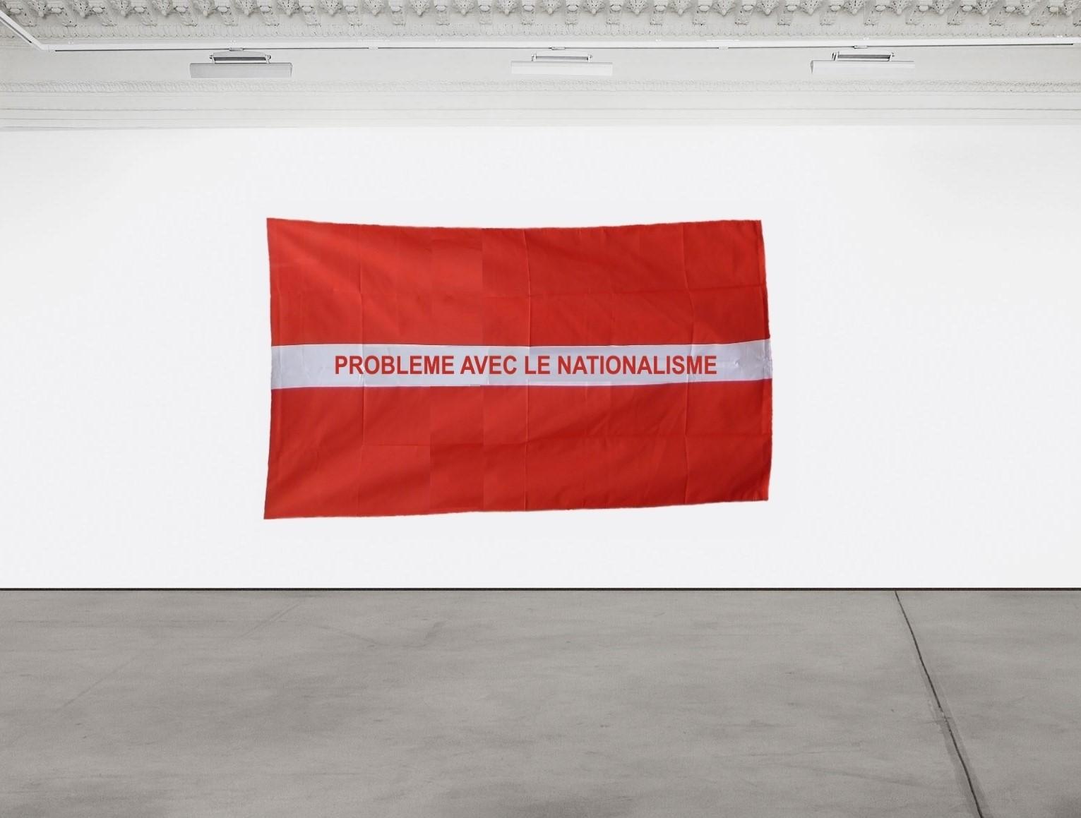 Problème avec le Nationalisme, 2019 / Hand painted fabric flag / 150 cm x 250 cm
