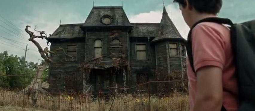 Pennywise home. The house was a temporary set in Oshawa. It was removed after filming.