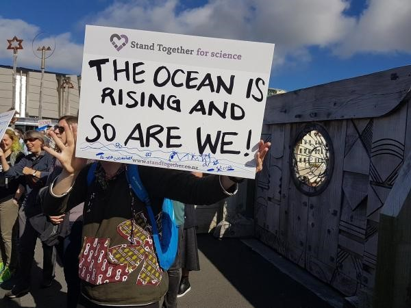 Wellington standing together for science (photo: Veronika Meduna)