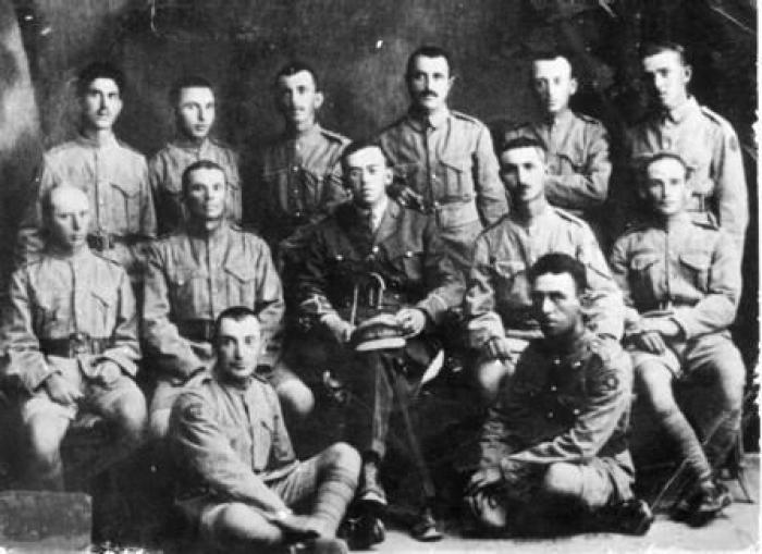 Jabotinsky (center) and Jewish volunteers