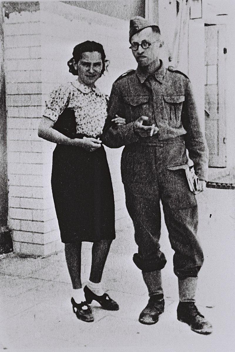 Menachem Begin and his wife, Aliza, in Tel Aviv, 1942. Photo source: Wikipedia