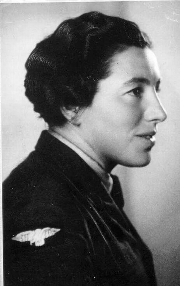 Haviva Reik. Note that she's wearing a British military uniform. Photo source: Wikipedia