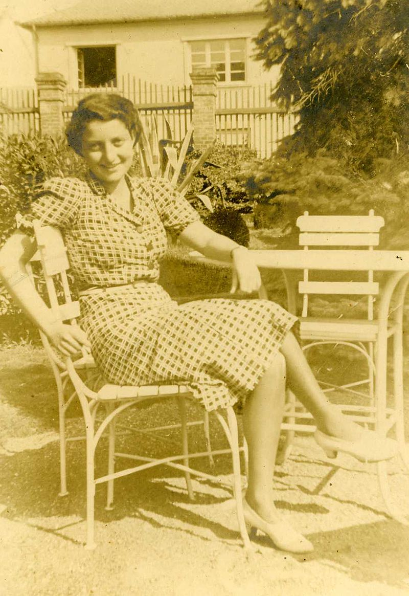 Hannah Senesh in Budapest before immigrating to Palestine. Photo source: Wikipedia