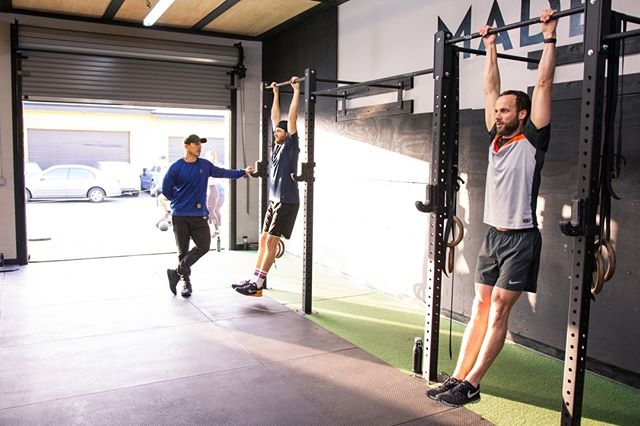 """Sooooo how's it hangin'?"" Happy Hump Day, fam!       #Sweat60 #Sweat60fitness #bestgym #la #personaltrainer #SantaMonica #GetFit #GoalSetting #FitnessGoals #TrainHard #NoExcuses #FitFam #FitLife #weights #workoutlife #weighttraining #fitnessmotivation #strength #sweat #freeclass #mobility #workoutoftheday #strong #westla #success #grouptraining #humpday"