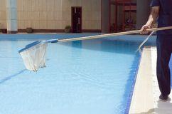 pool-cleaning-843386.jpg