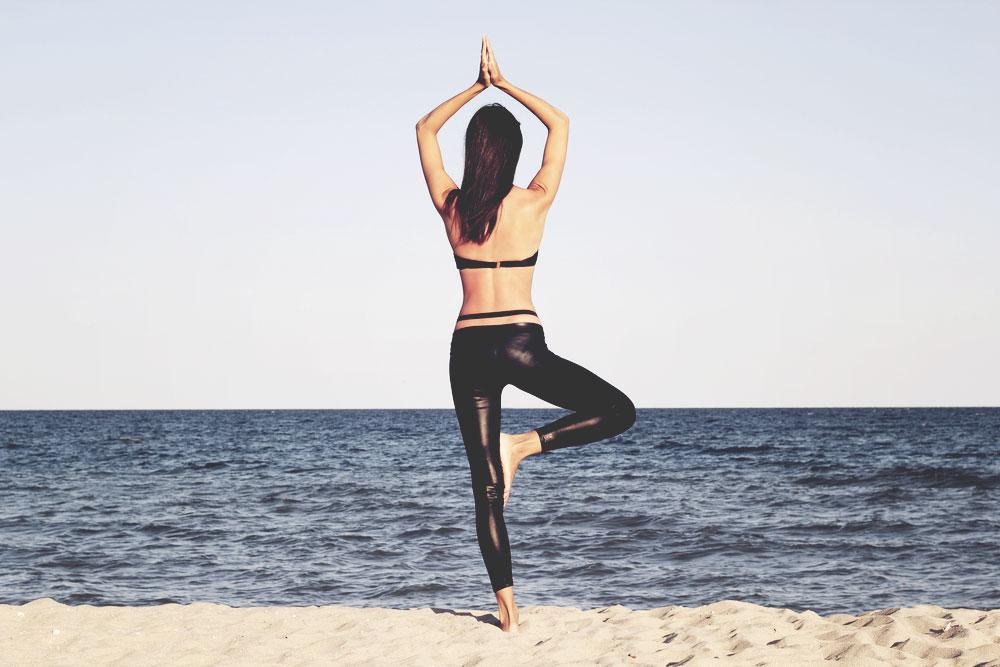 yoga-beach.jpg