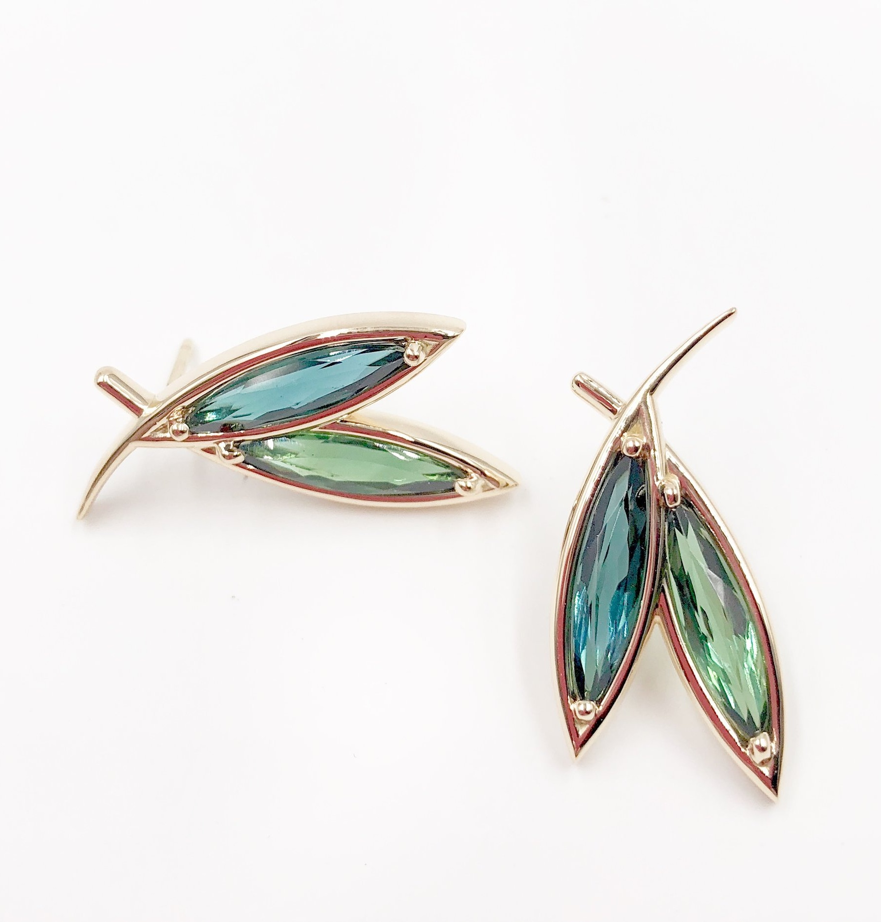 Green and Blue Tourmalines Leaves Earrings | 18K gold and tourmalines