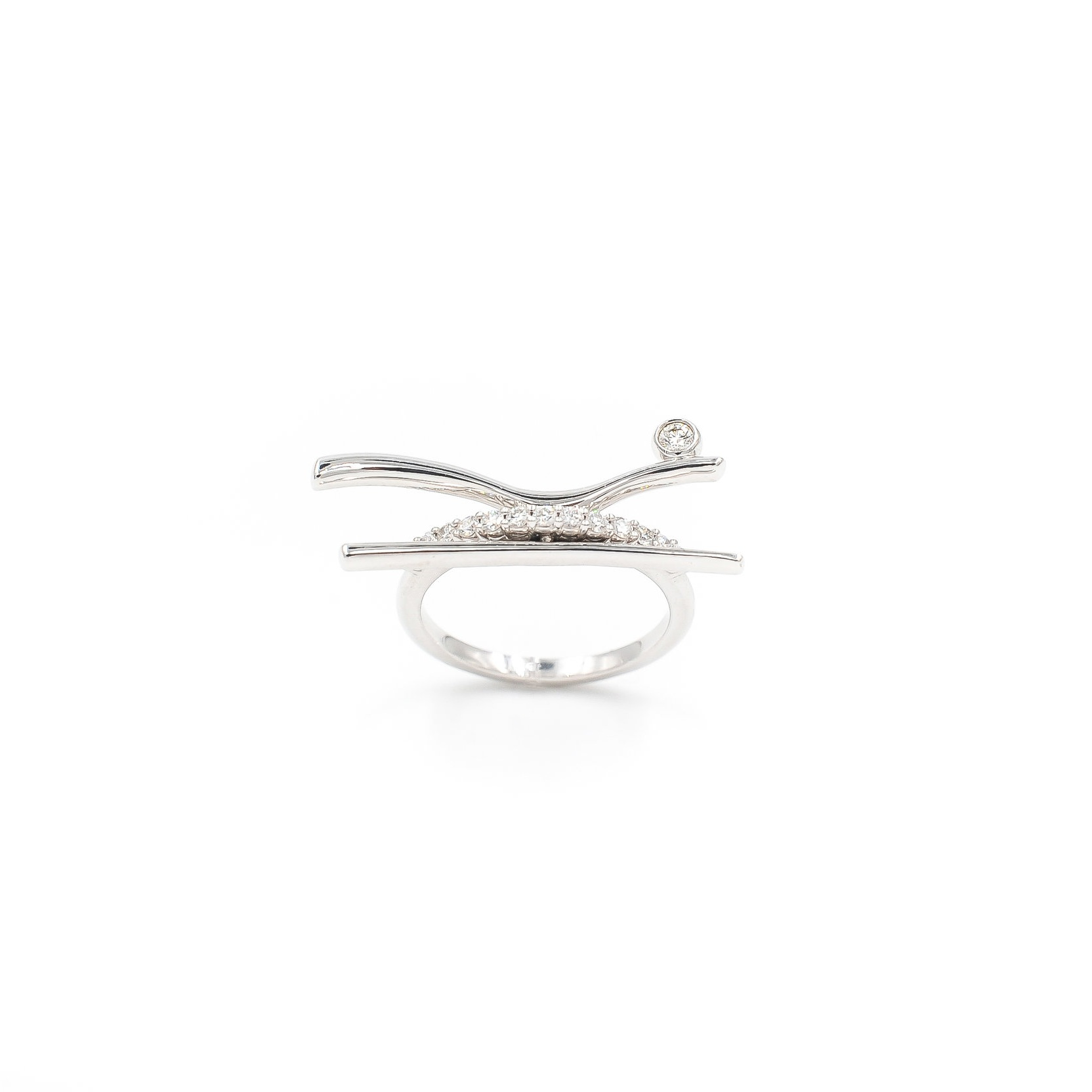 Rio Ring | 18K white gold, diamonds