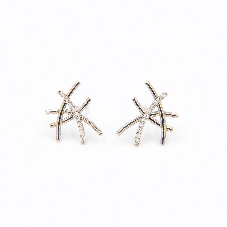 One Diamond Line Earrings | 18K white gold, diamonds