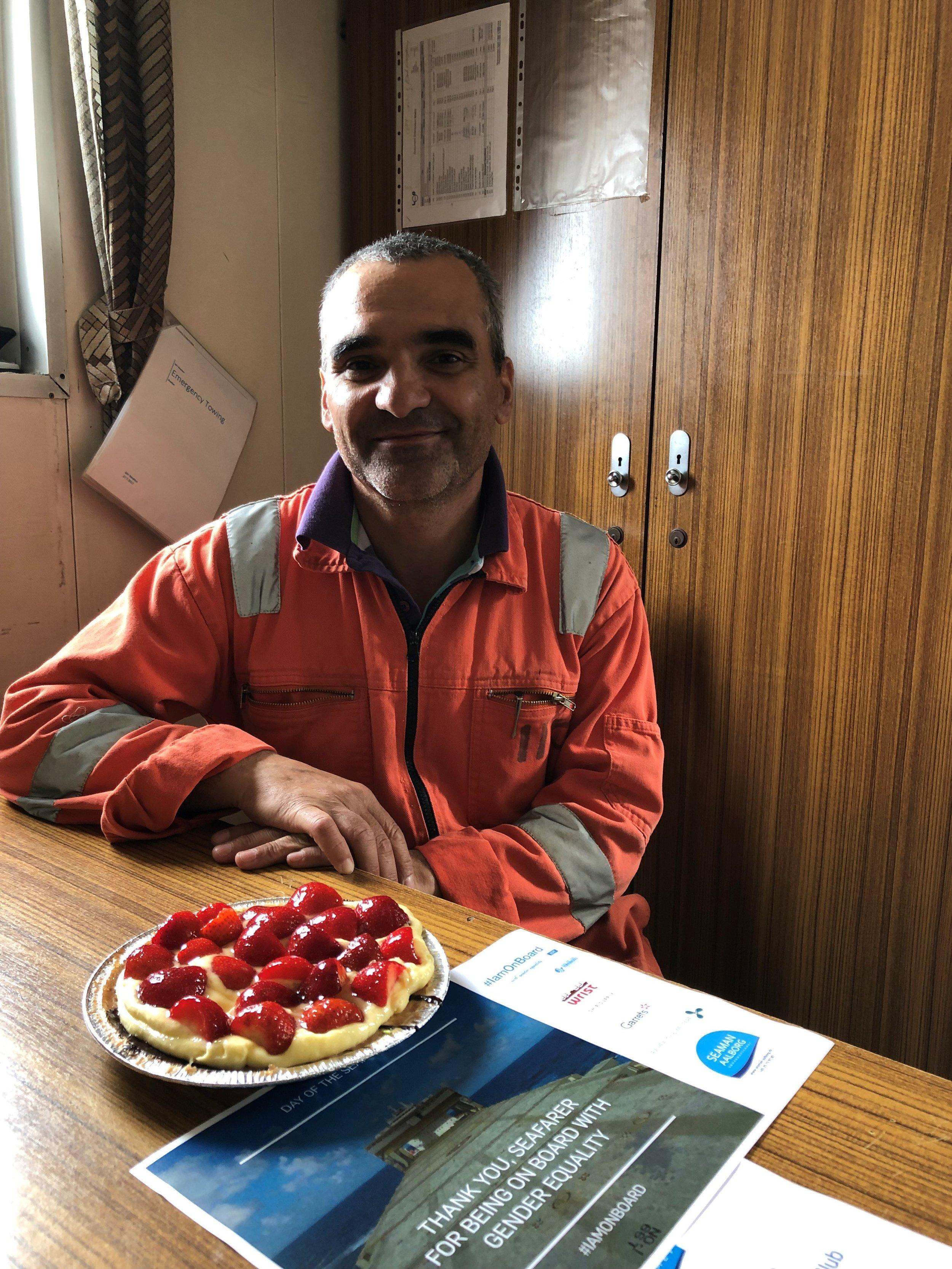 Aalborg-3 - søfarende med kage.jpg
