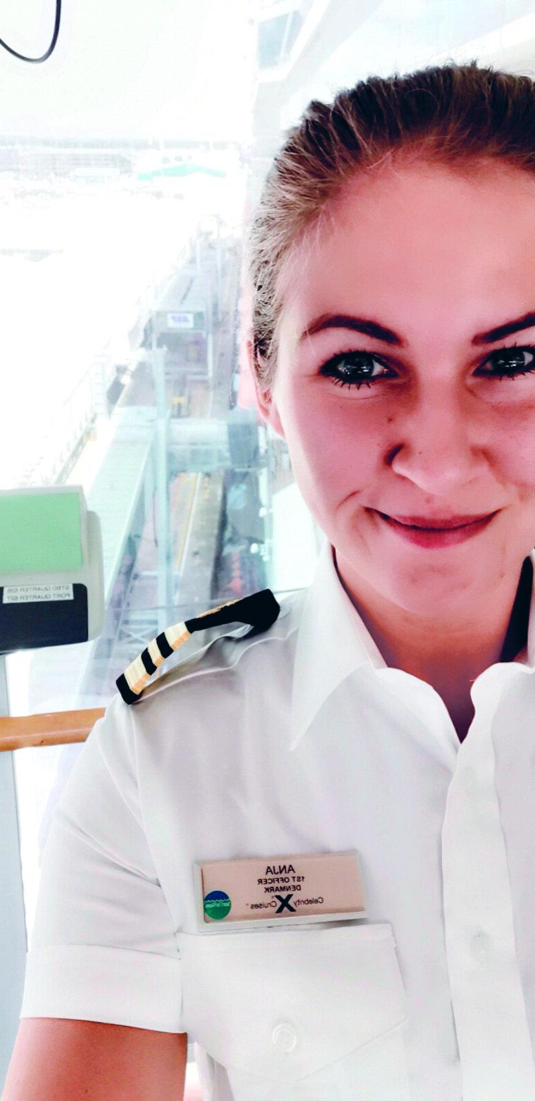 Anja Boytang i sin stilling som overstyrmand ved Celebrity Cruises.