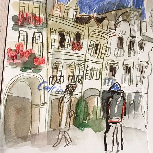 ... at the moment I could sketch outdoors all day ... #urbansketcher #lausanne #townscapes #yvonnemorellart #swissart