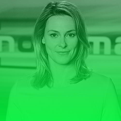 """Anja Reschke   Anja Reschke ist Journalistin und Moderatorin. Seit 2015 leitet sie die Abteilung Innenpolitik beim NDR Fernsehen, zuständig für Panorama, Panorama3, Panorama - die Reporter und Zapp. Seit 2001 ist sie Moderatorin des ARD- Politmagazins Panorama, sie präsentiert das Medienmagazin ZAPP im NDR Fernsehen und """"Wissen vor Acht – Zukunft"""" im ARD-Vorabend. Als Reporterin berichtet Reschke immer wieder über gesellschaftsrelevante Themen und Missstände. Große Aufmerksamkeit erlangte Anja Reschke durch ihre Kommentare in den Tagesthemen zu rechtsextremer Gewalt und dem Gedenken an Auschwitz.  Twitter:   @AnjaReschke1"""