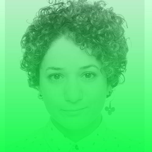 """Roshak Ahmad   Roshak Ahmad wurde 1986 in Syrien geboren. Sie ist Journalistin und Dokumentarfilmerin, die seit 2014 in Deutschland lebt. 2009 begann sie in Damaskus ihre Tätigkeit als Online-Reporterin. 2011 - 2013 war sie unter Pseudonym für verschiedene oppositionelle syrische und internationale Medien tätig, unter anderem berichtete sie für die Deutsche Welle. Weitere Veröffentlichungen u.a. France 24, Reuters, AlJazeera, NDR. Ihre Dokumentation """"12 Tage, 12 Nächte in Damaskus"""" lief bei ARTE und ARD (2017) sowie auf mehreren Filmfestivals.Ahmad ist Studentin des Masterstudiums """"Digital Journalism"""" an der Hamburg Media School und Stipendiatin der ZEIT-Stiftung.  Twitter:   @roshak_a"""