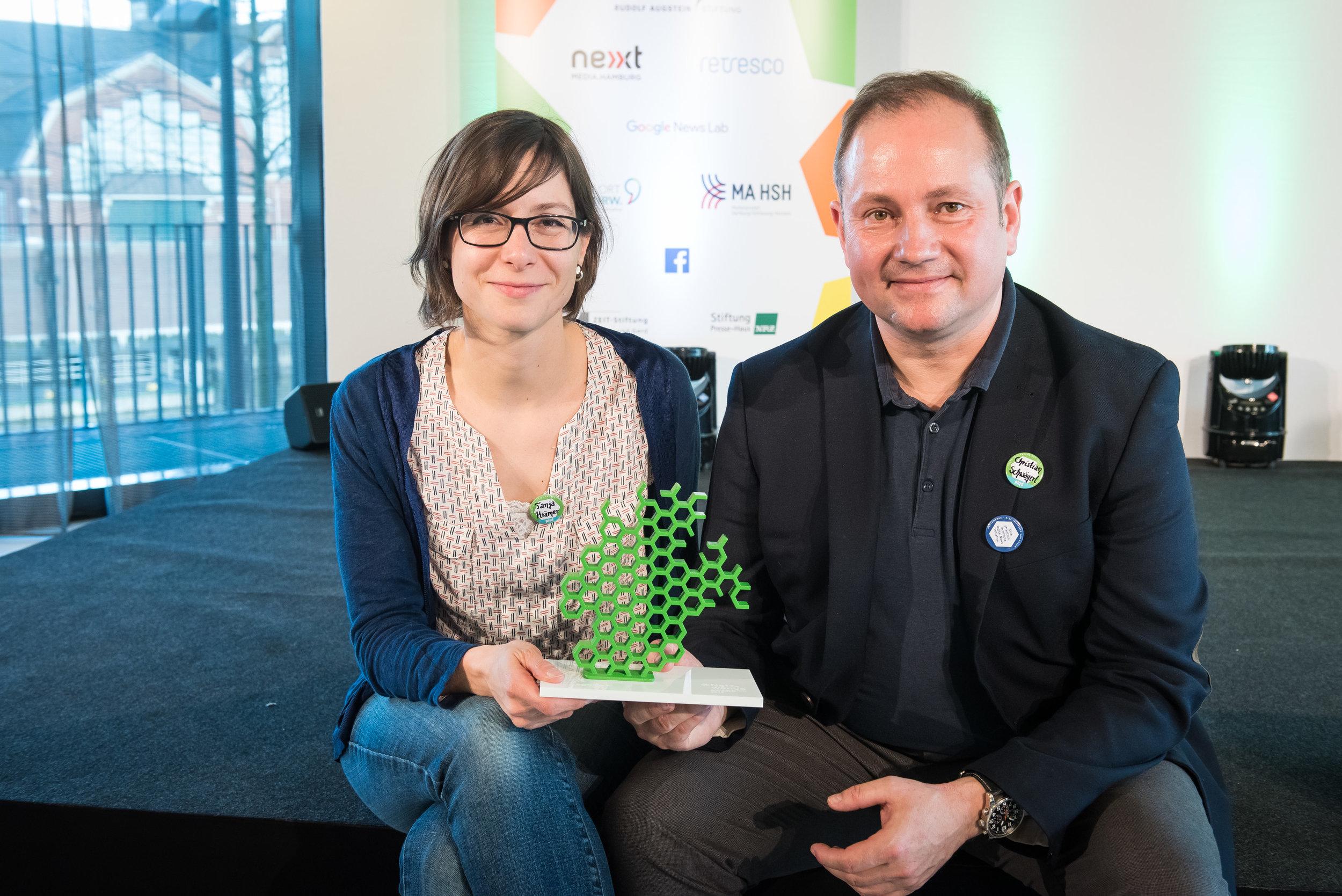 Die Preisträger 2017: RiffReporter - Tanja Krämer und Christian Schwägerl von RiffReporter (Foto: Jörg Müller/VOCE R- freie Nutzung bei Namensnennung)Download