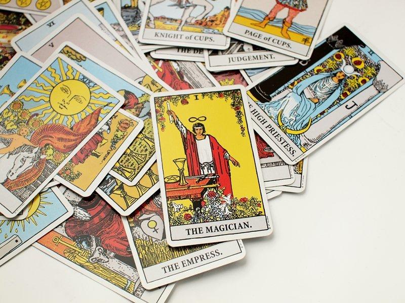 Tarotcards-reading.jpg