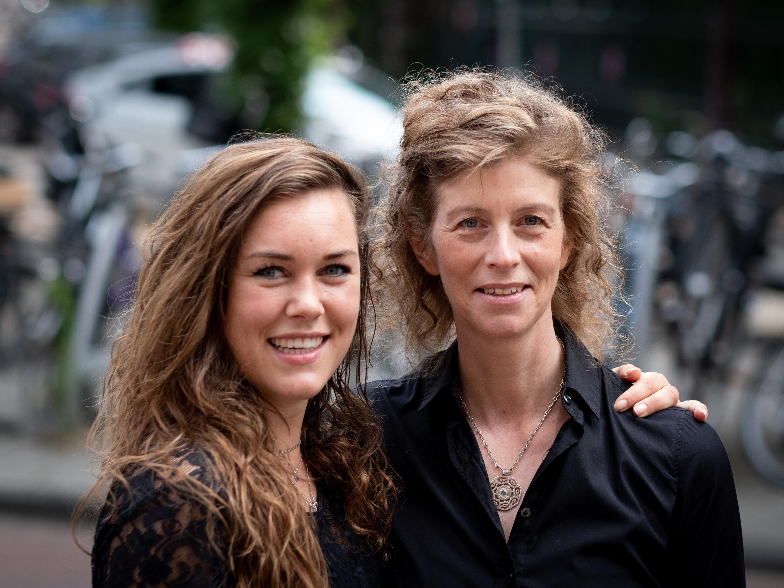 Louise en Josta 1.jpg