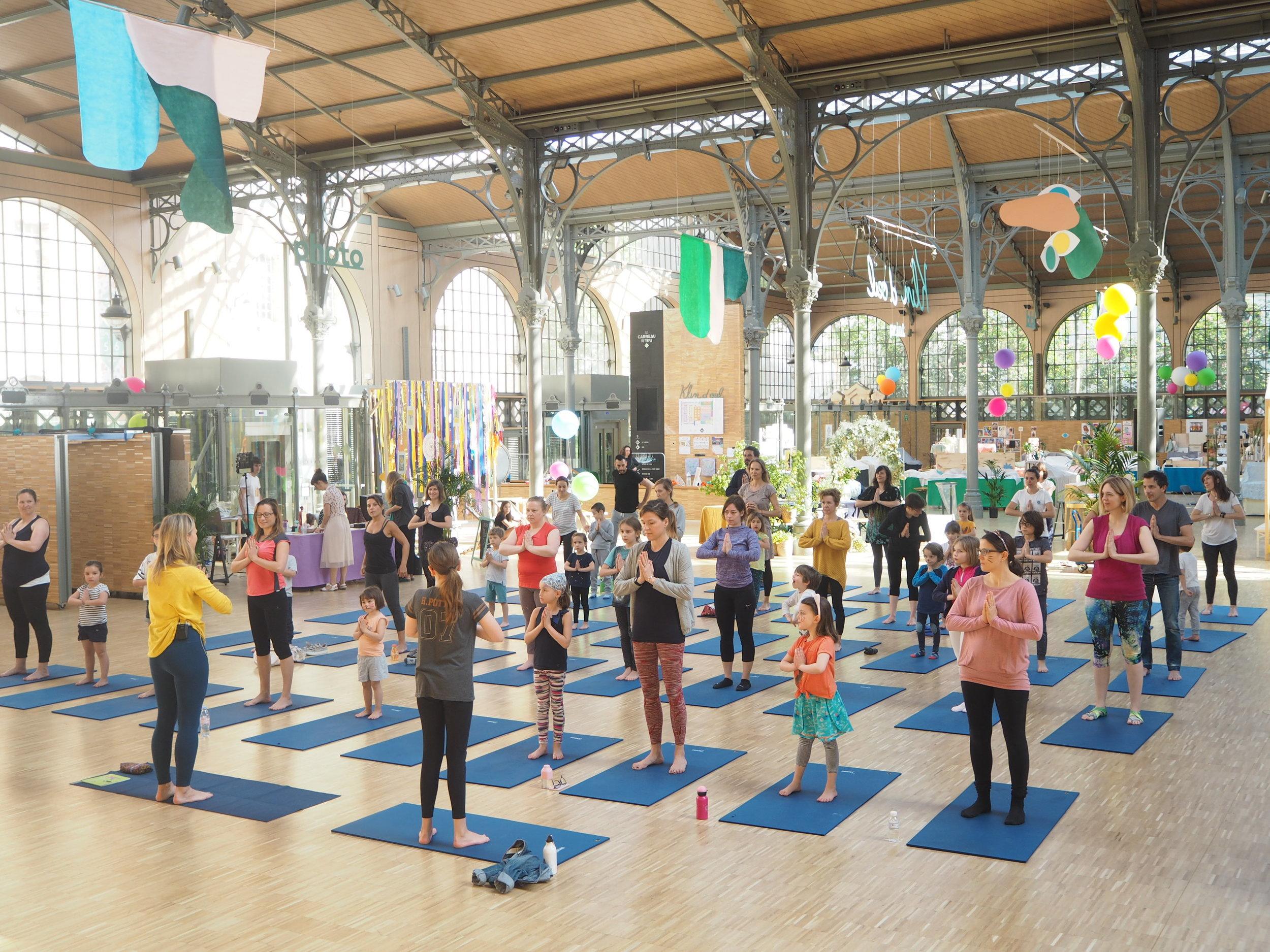 YOGAMINI PARENTS / ENFANTS - Une séance de yoga géante insolite !Venez en famille partager un moment de détente ludique autour de postures simples de yoga, pratiquées en pleine conscience. La séance sera conduite par Ulrika Dezé. Pour les enfants à partir de 5 ans accompagnés de leur(s) parent(s). Tarif 10 euros par personne.DIM 9 déc de 10h à 10h45www.yogamini.fr