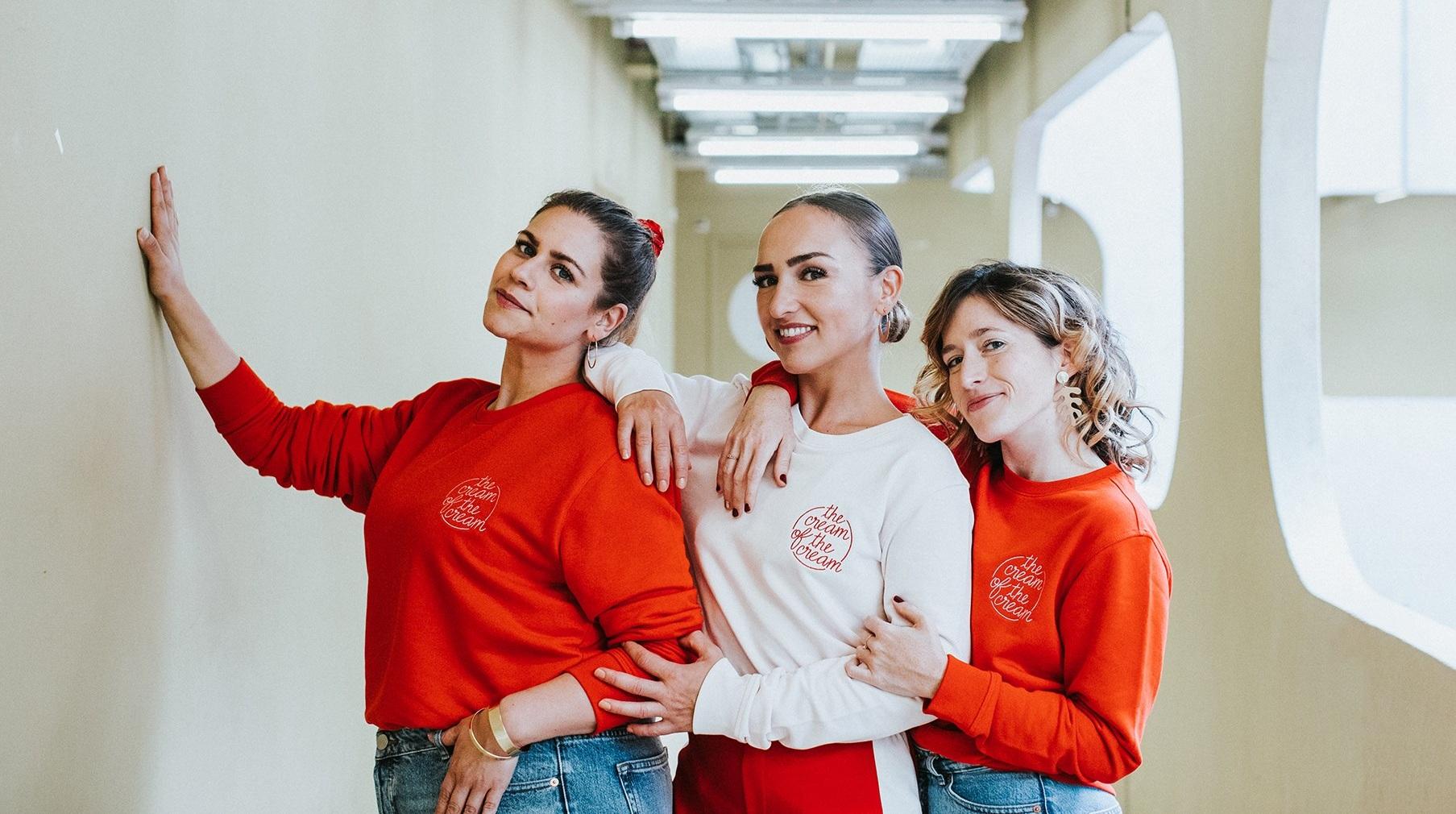 kermesse des GIRLZ POP - Les Girlzpop dévoilent leur collection «The Cream of the Cream»... des sweats, mugs et affiches. Elles proposent aussi des ateliers créatifs et inspirants sur le thème de «la crème de la crème».www.girlzpop.com