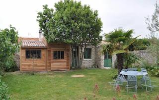 05-la-couarde-abris-de-jardin-histoires-de-cabanes (3).jpg