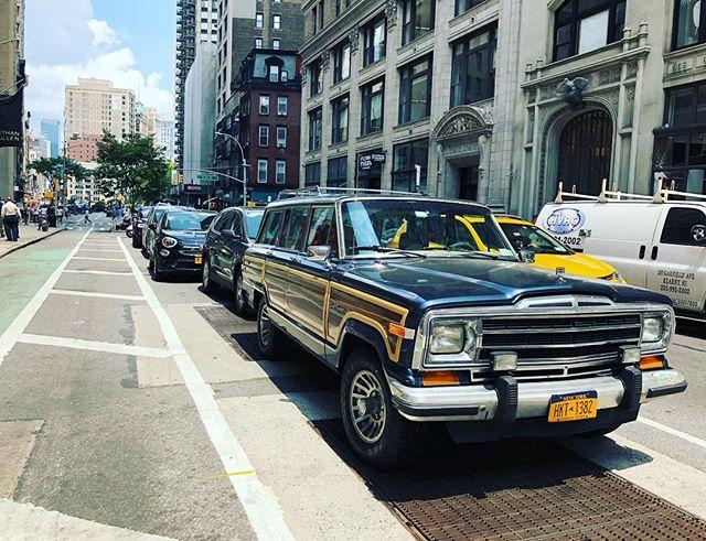 Wagoneer Wednesday . . . . . #jeep #jeepwagoneer #wagoneer #wagon #flatiron #madisonsquarepark #broadway #carspotting