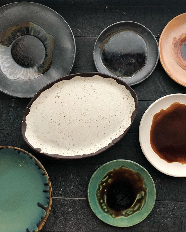 Дизайн тарелок для нового проекта 🍁 #interiordesign #дизайнресторана #дизайнинтерьера #khalchitskayadesign #ceramic #ceramicdesign