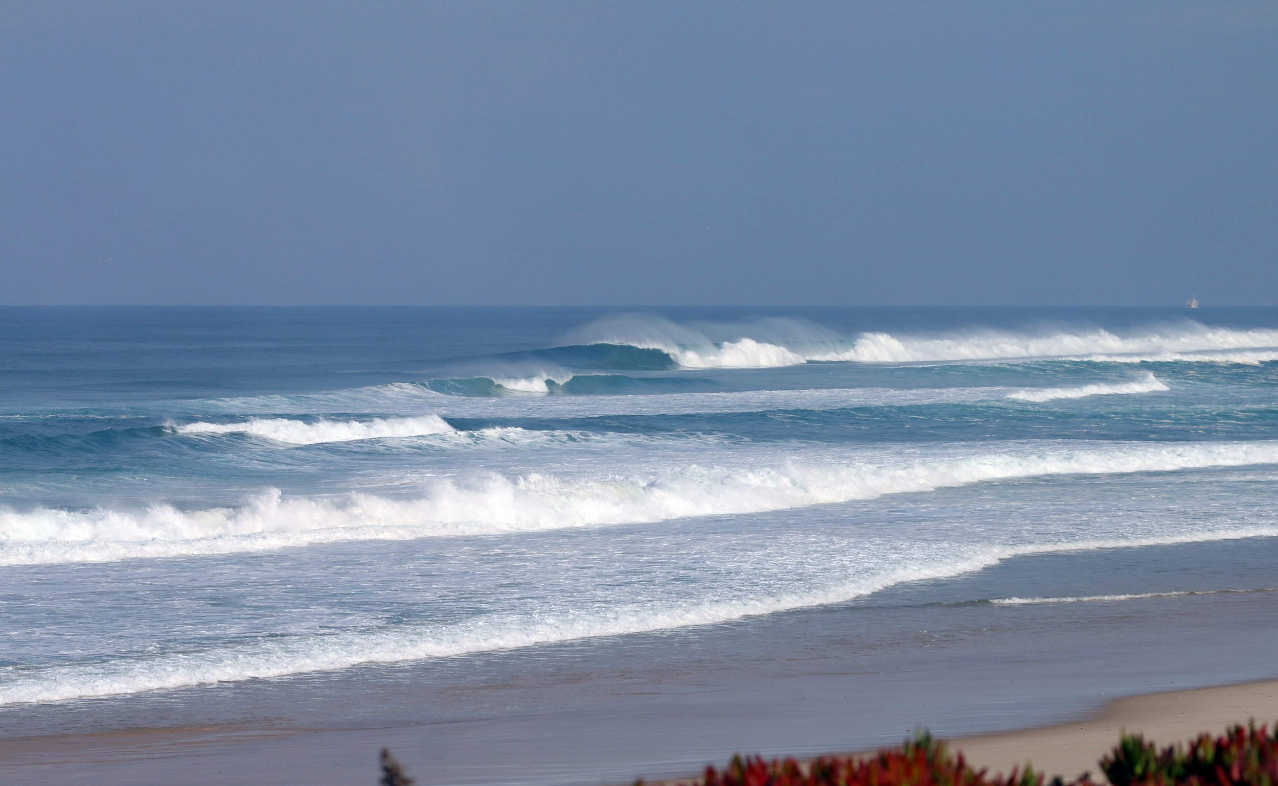 Beautiful line up in Peniche surfing
