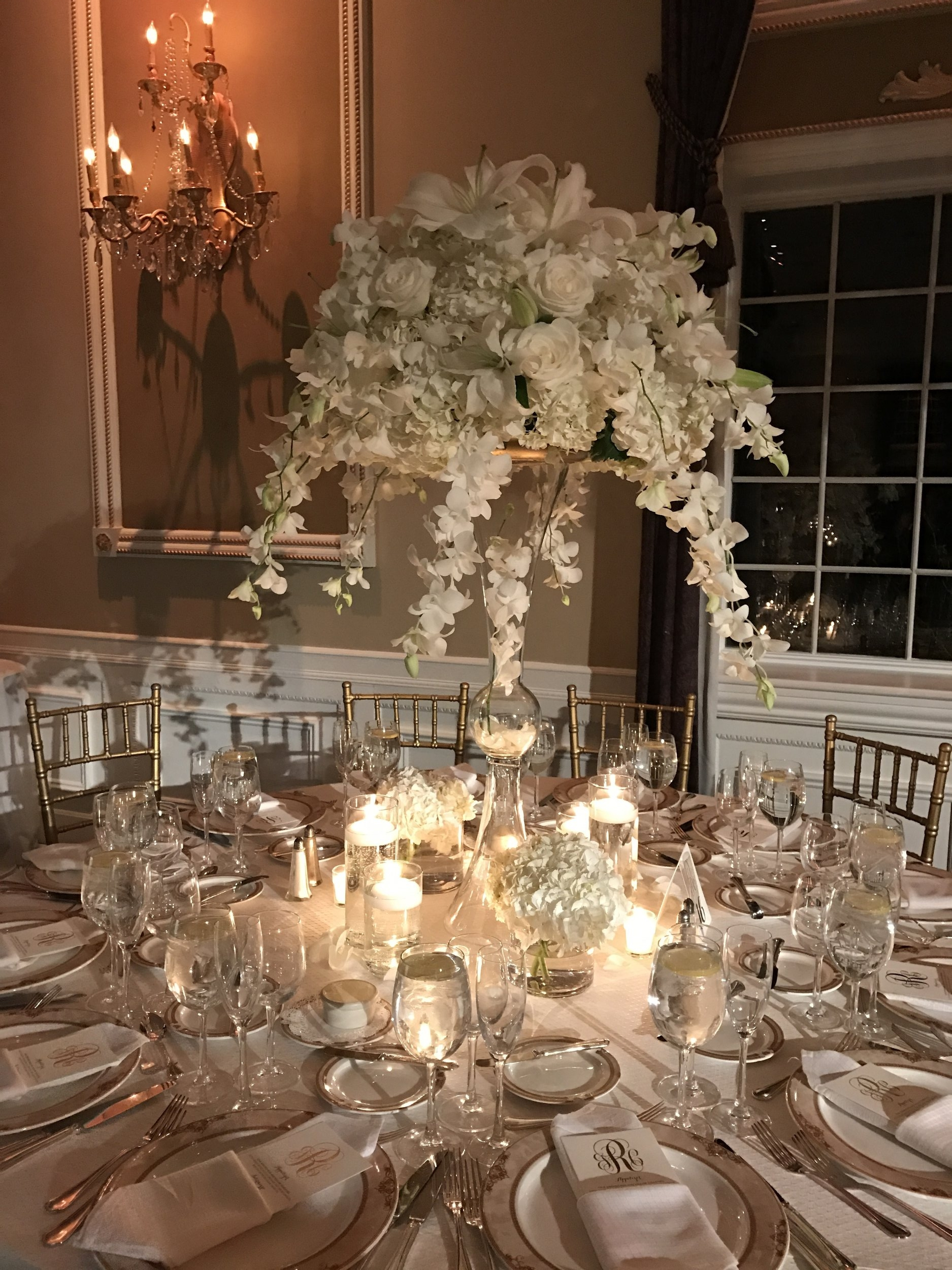 Robins Wedding Centerpiece 2.jpg