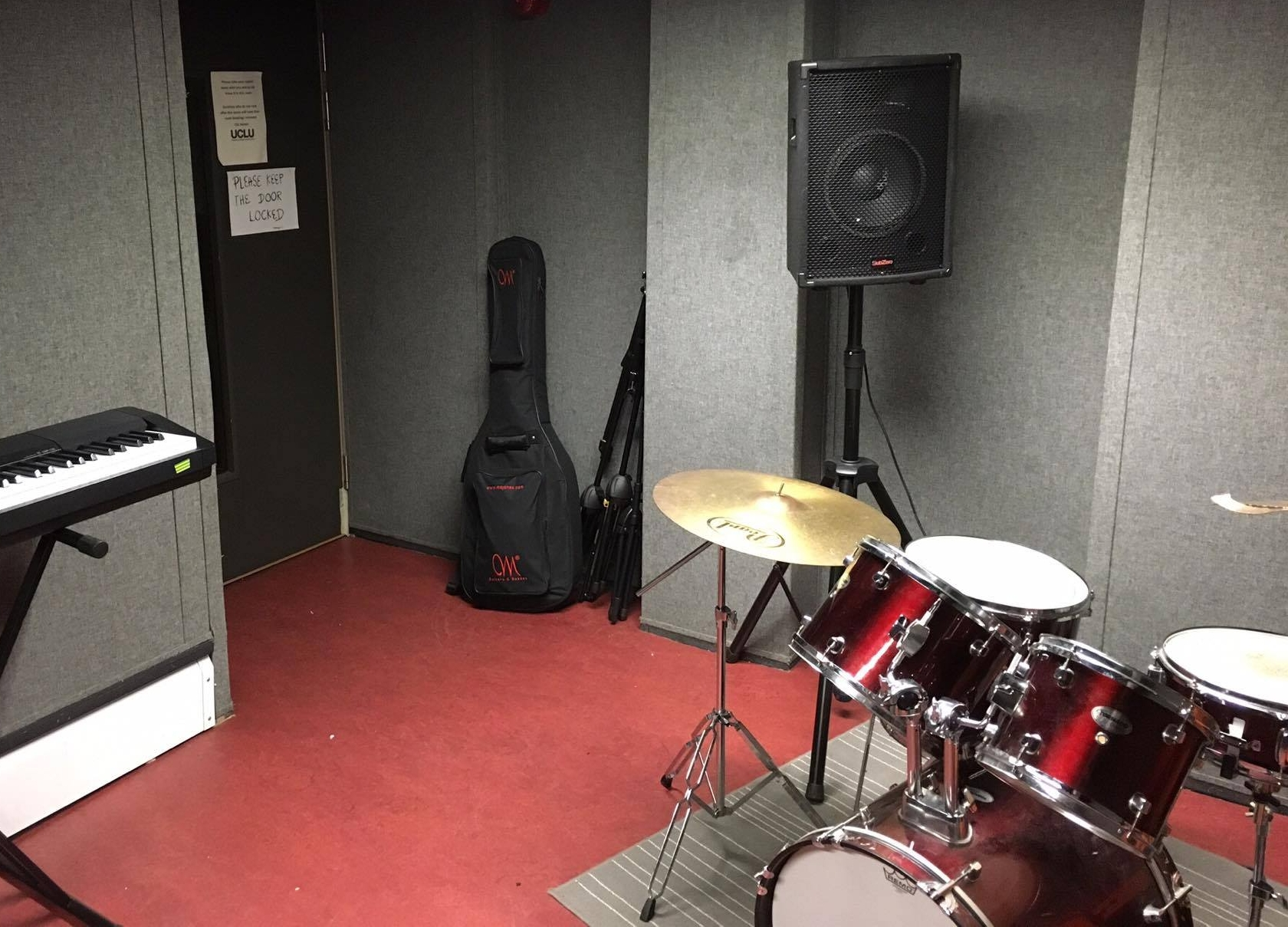The Soundproof Room - Bookable only by members of UCL Live Music Society