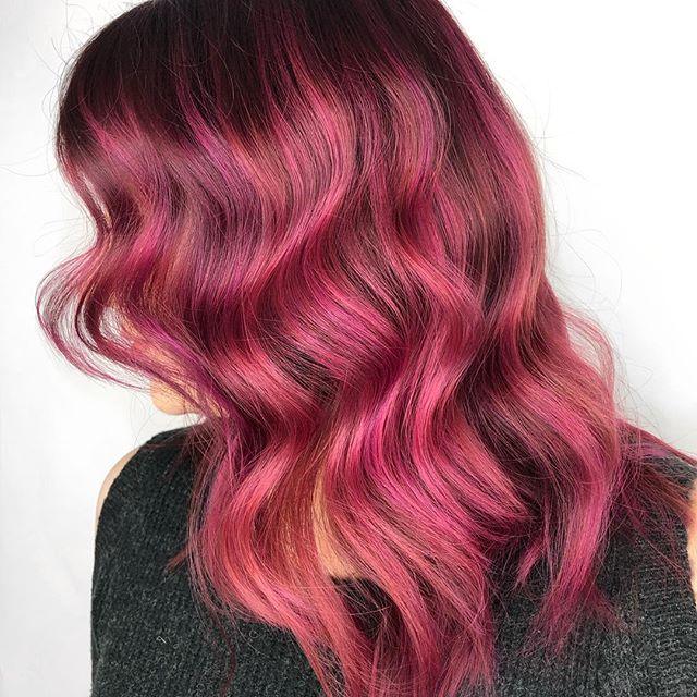 Winter hues for miss Olsy! 😍🧜🏿♀️🦄 #hairsalon #pinkhair #torontobalayage #modernsalon #kingwest #hairsalon #beauty #haircolor #hair #hairoftheweek #unicornhair #vividhair
