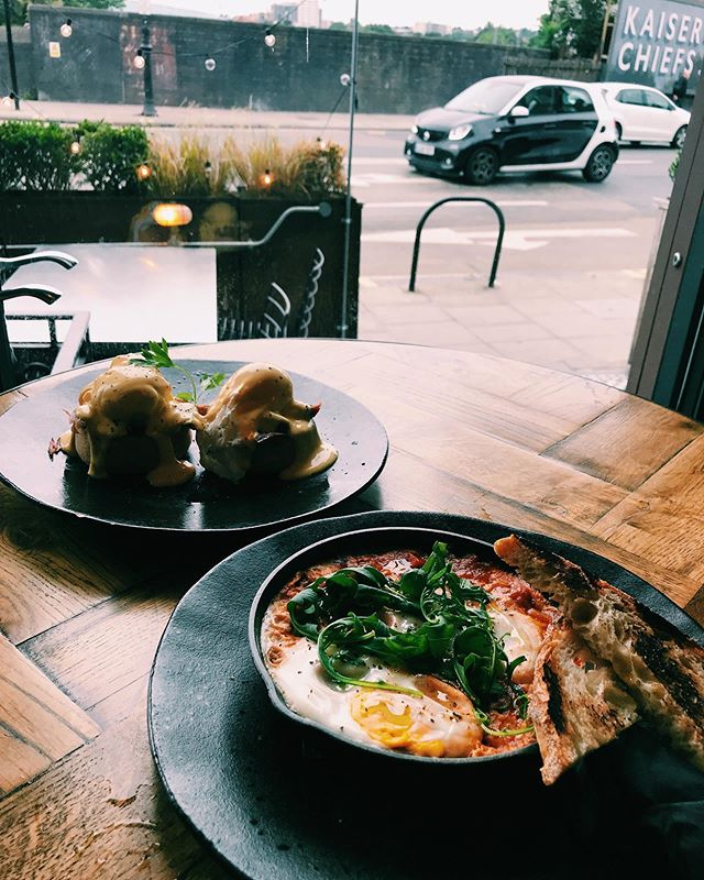 Early bird catches the worm. Serving Brunch from 10-2 every Saturday and Sunday.  #brunch #kentishtown #northlondon #neighbour #earlybird #shakshuka #eggsbenedict #coffee #breakfast