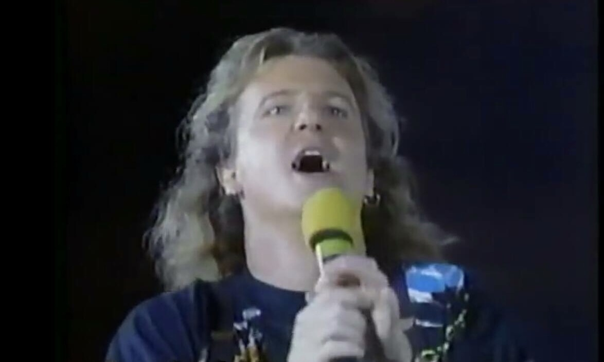 8) rest my case. This is SkyDome opening, June 3rd, 1989......sorry Rod! 😉