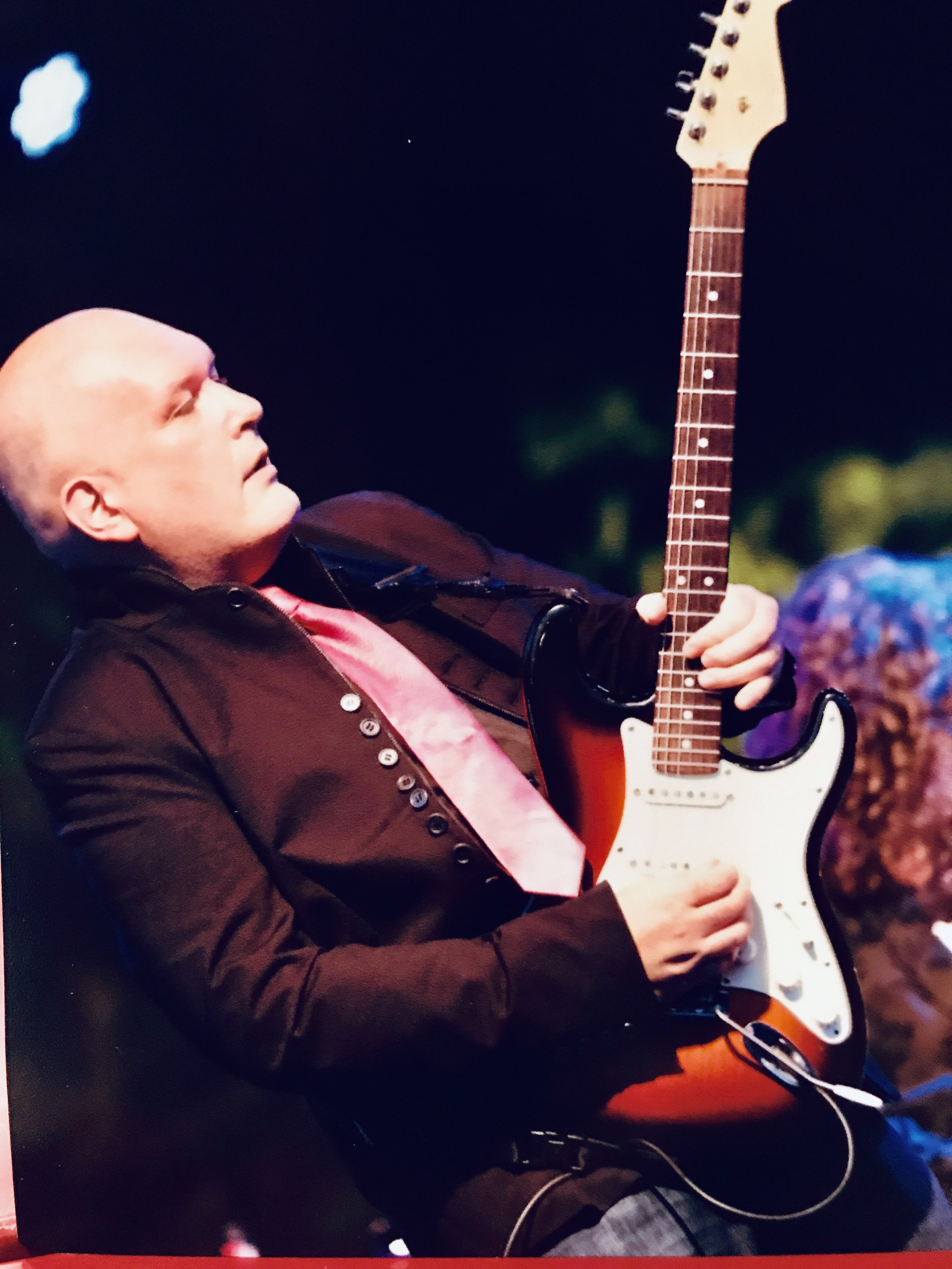 Killer guitarist, Russell Gray.