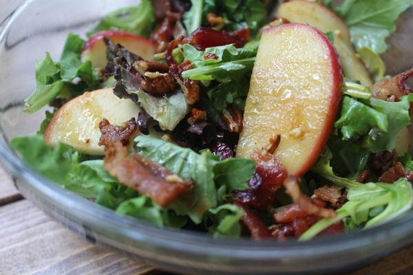 Apple and Spiced Pecan Salad