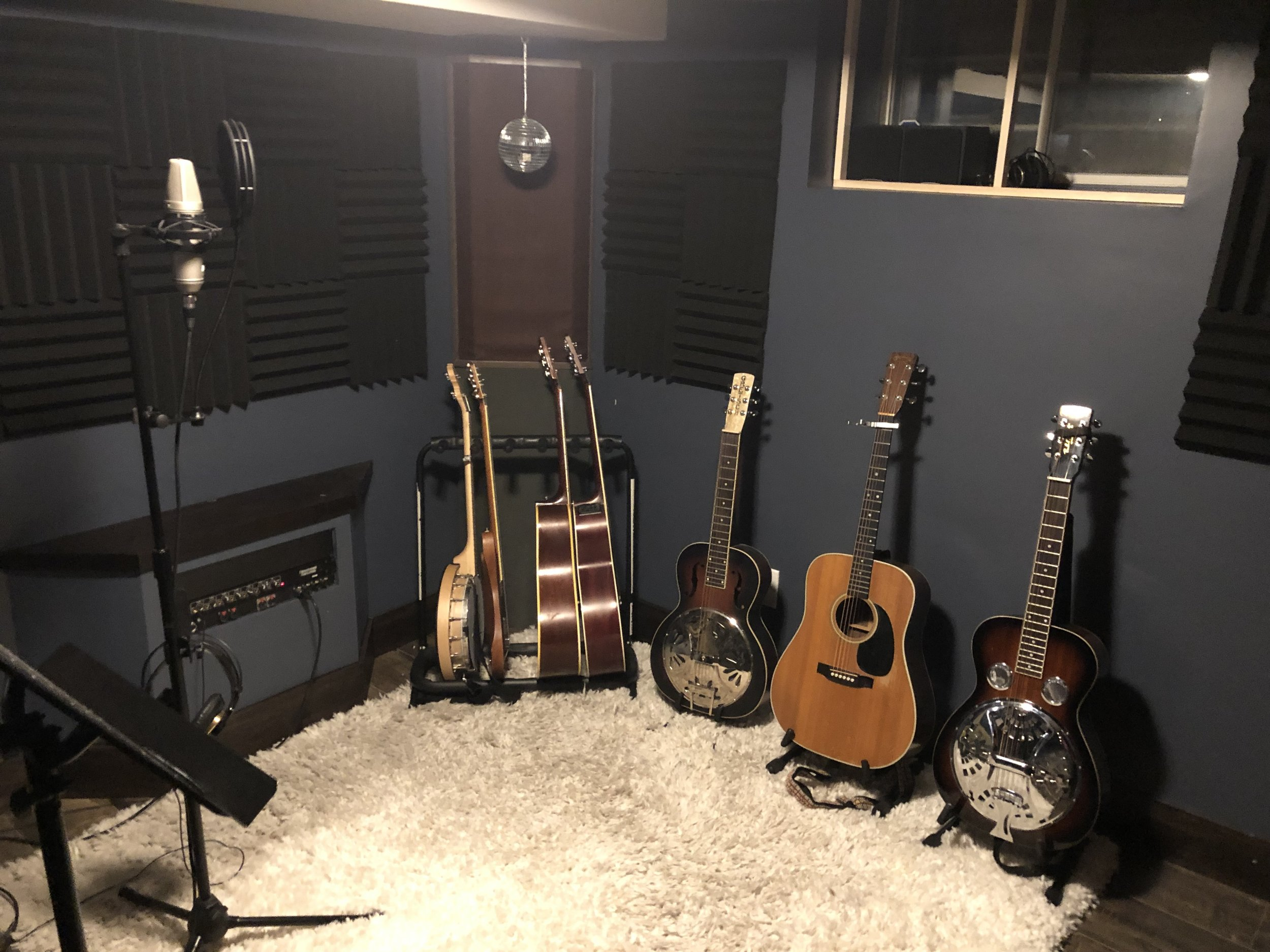 Pete Live Room.jpeg