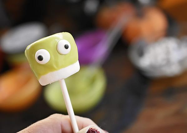 marshmallow-monsters-6