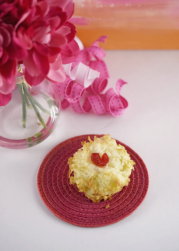 Valentine S Day Coconut Macaroons Peonies And Pears