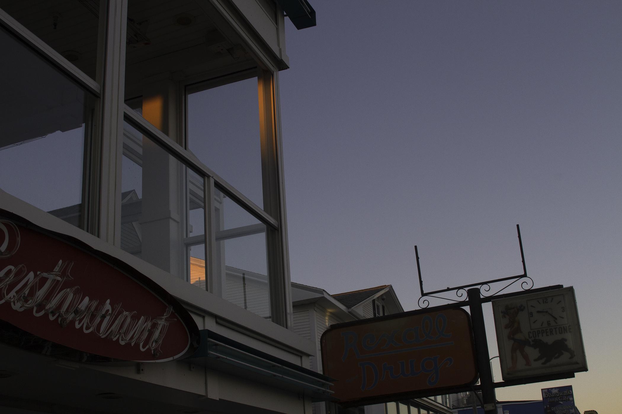 Hampton_beach_windowsm.jpg