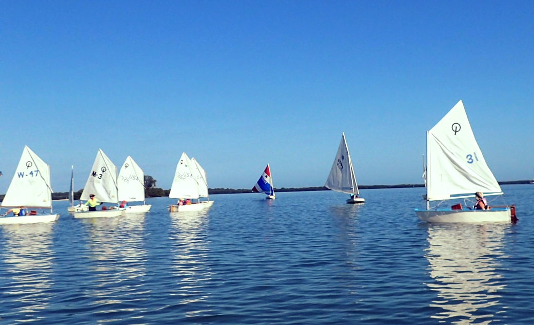 - Windlasses promotes sailing interest and ability among its members. We sponsor and hold races, cruises, rendezvous and other sailing events.